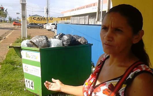 Lixo hospitalar em ponto de ônibus causa mal estar para comunidade