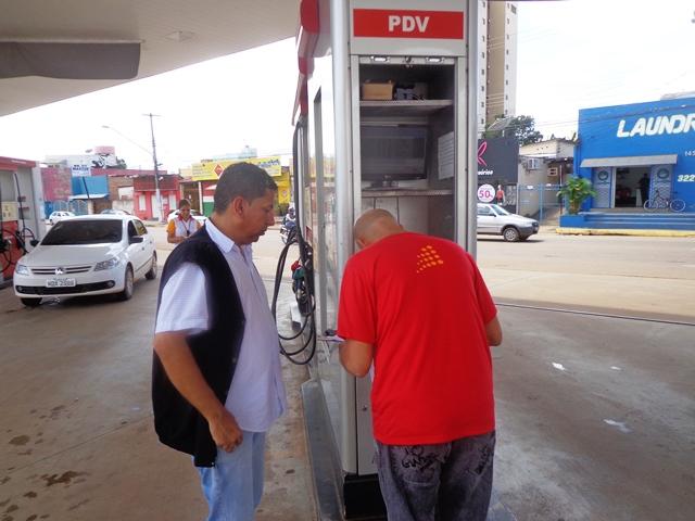 MP e PROCON fiscalizam os preços praticados nos postos da Capital após a cheia