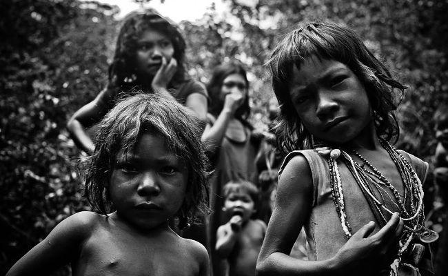 Argentina conhecerá a Tribo Pirahã pelas lentes de Gabriel Ivan em Agosto