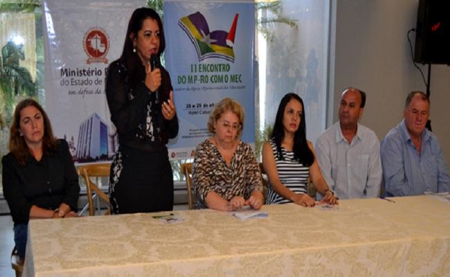 Prefeitos participam de encontro sobre educação, promovido pelo MP