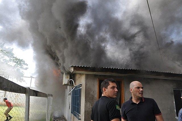 casa pegou fogo
