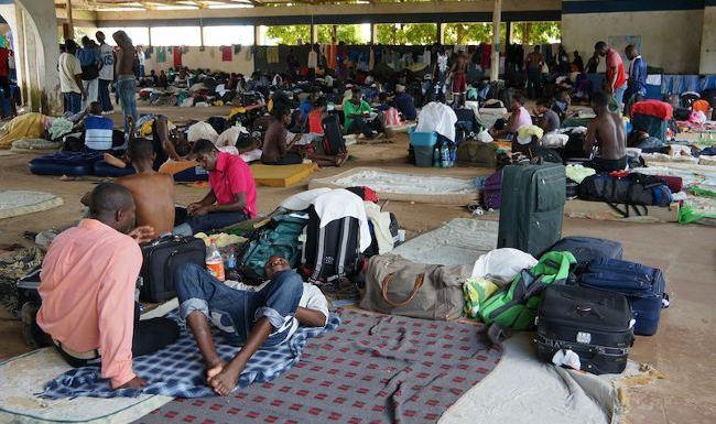 Brasileiros aprovam entrada de refugiados no país, mas não na própria cidade