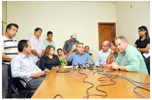 Jesualdo anuncia reajuste para servidores municipais