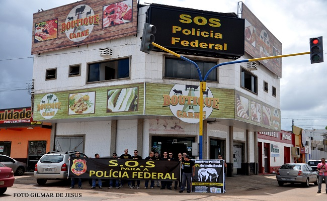 Agentes da PF tomam o centro no S.O.S Polícia Federal
