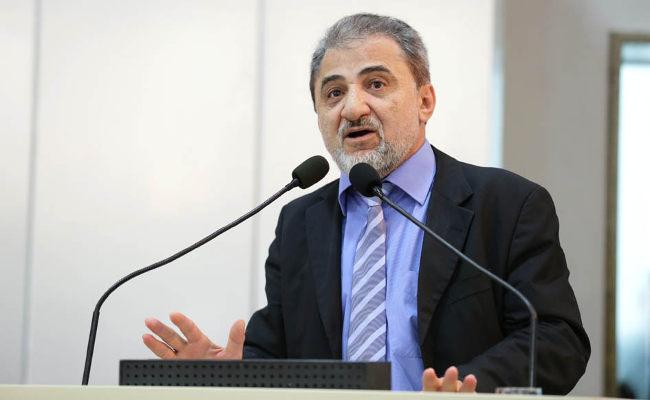 Acampamento de desabrigados pode estar superfaturado, diz presidente da ALE
