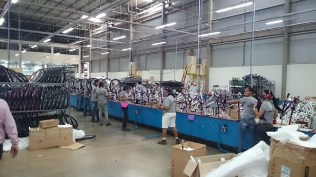 Linha de produção da fábrica da Cairu