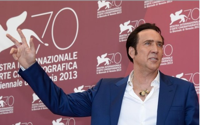 Nicolas Cage: o ator chegou a dever R$ 28,9 milhões à Receita americana após comprar imóveis, casas e até ilhas de luxo. Vendeu seus bens por preços irrisórios.