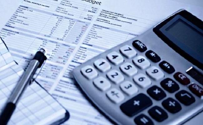 Inadimplência do consumidor cai no 1º semestre, diz Serasa