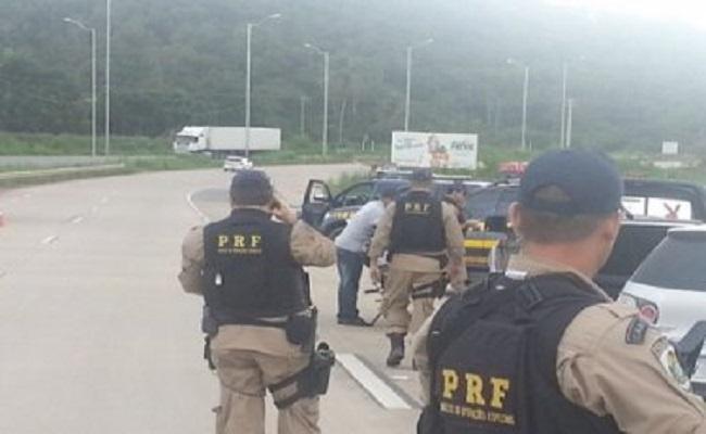 Estelionatários que agiam em Porto Velho e Rio Branco (AC) são presos em flagrante na BR 364