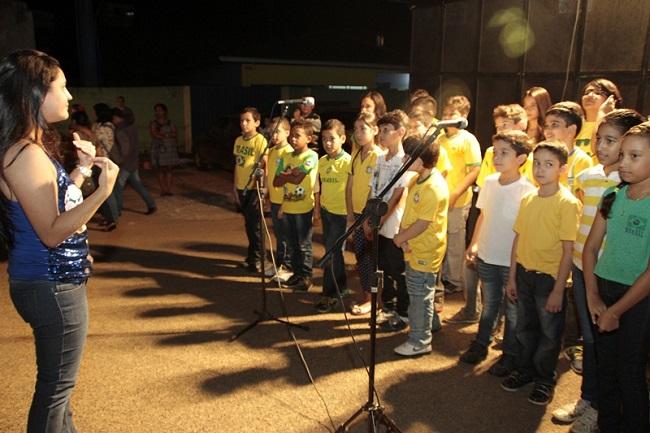 Escola Municipal de Música Jorge Andrade realizou uma Mostra Musical na noite de quinta-feira