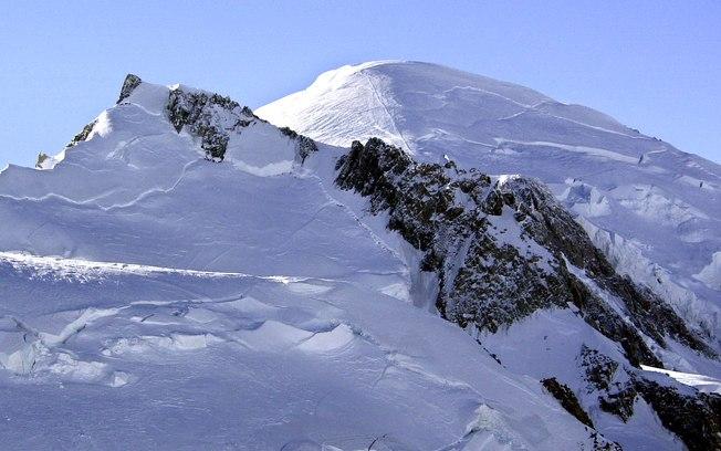 Corpo de alpinista é encontrado 32 anos após desaparecer