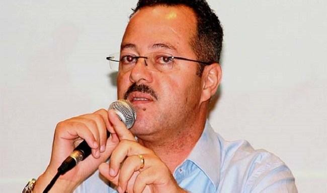 Ex-prefeito Roberto Sobrinho é condenado a 3 anos e 6 meses de prisão