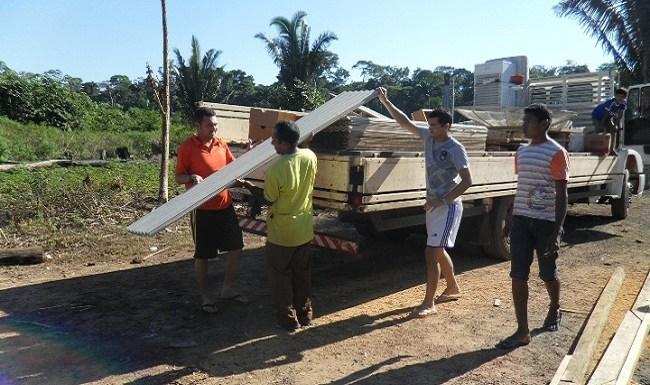Ameron realiza doação de bens para famílias carentes de Guajará-Mirim