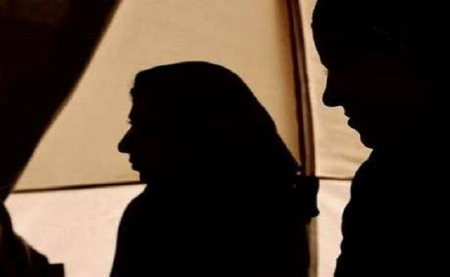 Americano mata família muçulmana a tiros em cidade universitária dos EUA