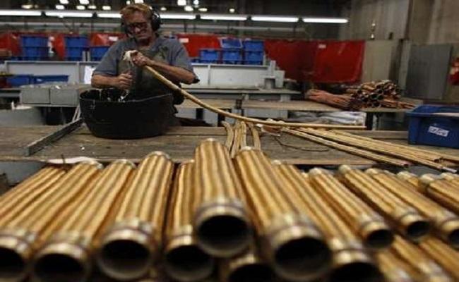 Emprego na indústria recua pelo sétimo mês consecutivo