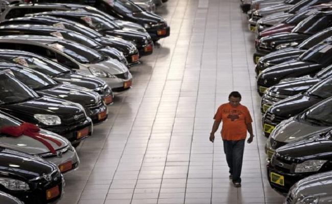 Anfavea diz que venda de veículos caiu 7,1% em 2014
