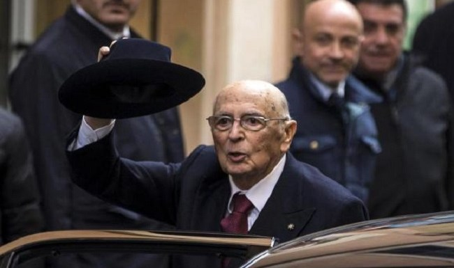 Giorgio Napolitano renuncia à Presidência da Itália