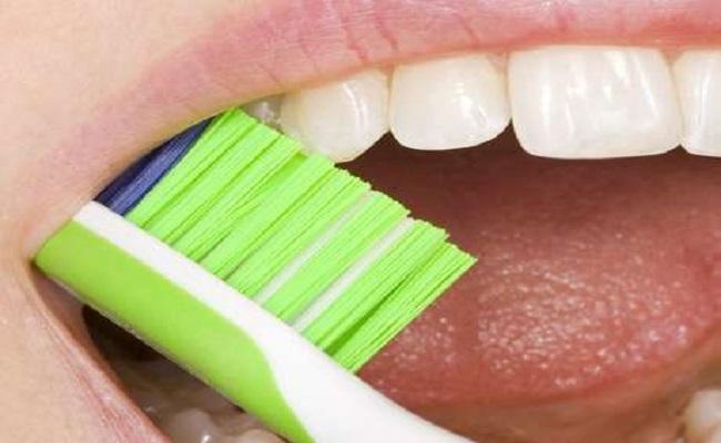 Aprenda como, quando e quanto se deve escovar os dentes