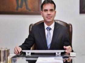 """""""compromisso com o Brasil"""", por Andrey Cavalcante"""