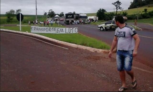 Caminhoneiros fazem manifestações em diversas rodovias do país