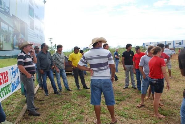 Caminhoneiros cruzam os braços em Vilhena por reajuste no valor do frete