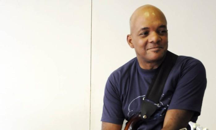 Ex-baixista da Legião Urbana, Renato Rocha é encontrado morto