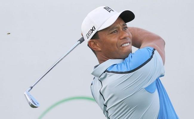 Tiger Woods decide se afastar de torneios até recuperar forma