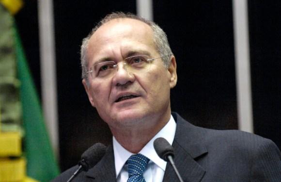 Rede pede afastamento imediato de Renan ao Supremo