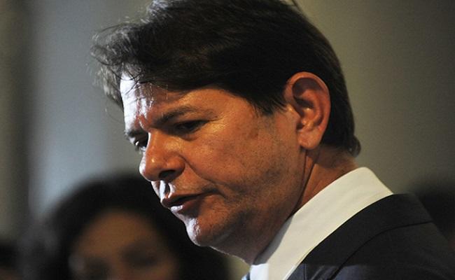 Paulo Roberto Costa ex-diretor da Petrobras começa a escrever livro: Cid Gomes teme ser um dos personagens
