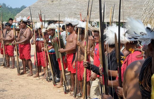 Garimpo ilegal e contrabando afetam índios Cinta-Larga em Rondônia