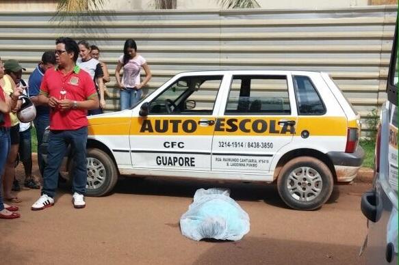 Mulher infarta durante aula de auto-escola em Porto Velho