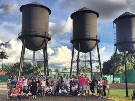 """Projeto """"Esquina do Tempo"""" resgata valores culturais e históricos em atividades com alunos de Administração"""