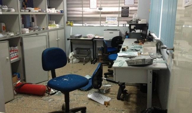 Por falta de medicamentos, homem quebra posto da Semusa, em Porto Velho
