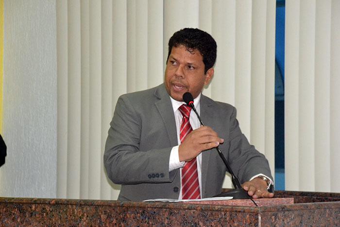 Vereador quer manter vigilantes nas escolas para garantir empregos em Porto Velho