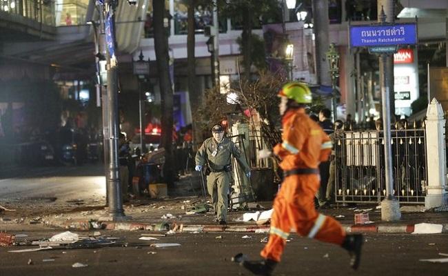 Bomba explode e deixa mortos em Bangcoc, na Tailândia