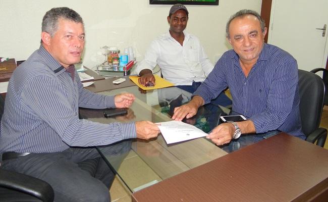 Edson Martins garante 587 mil reais para saúde de Nova Mamoré.