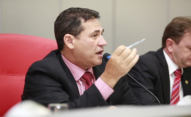 Maurão pede liberação ambiental para melhoria de estrada na capital
