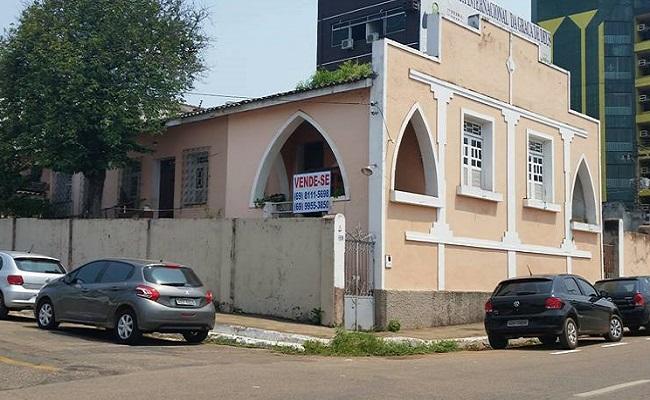 Primeira casa de alvenaria de Porto Velho está à venda e pode ser demolida