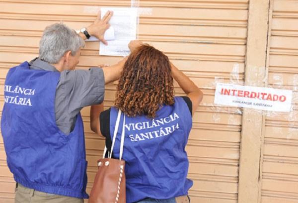Estabelecimentos são fechados por ameaçar saúde da população e Vigilância recusa informações