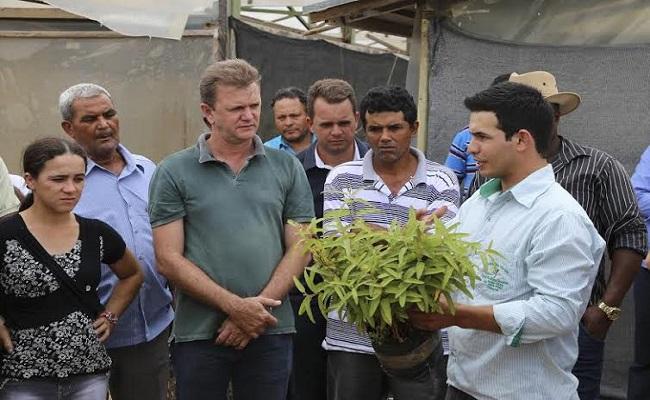 Deputado Luizinho promove intercâmbio com produtores rurais