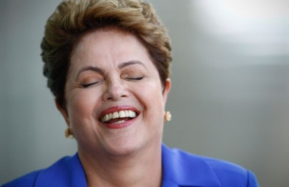 """Dilma sobre afastamento de Cunha, """"antes tarde do que nunca"""""""