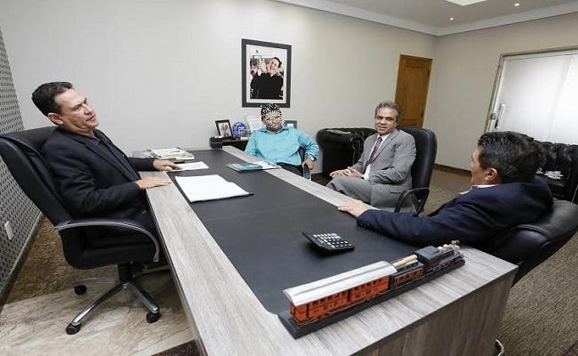 Maurão de Carvalho recebe projeto básico do TCE, criando plantão pedagógico