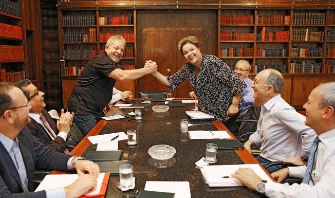 Dilma diz que não muda ministério até votação do impeachment