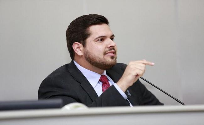 Jean Oliveira pede serviço de conservação na região de São Carlos