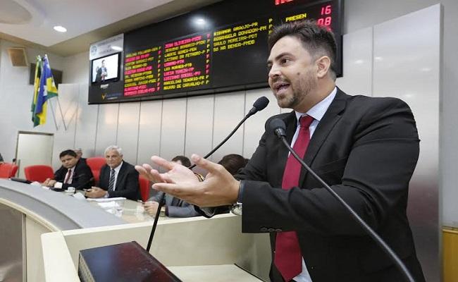 Deputado volta a pedir demissão sumária da cúpula da Sejus