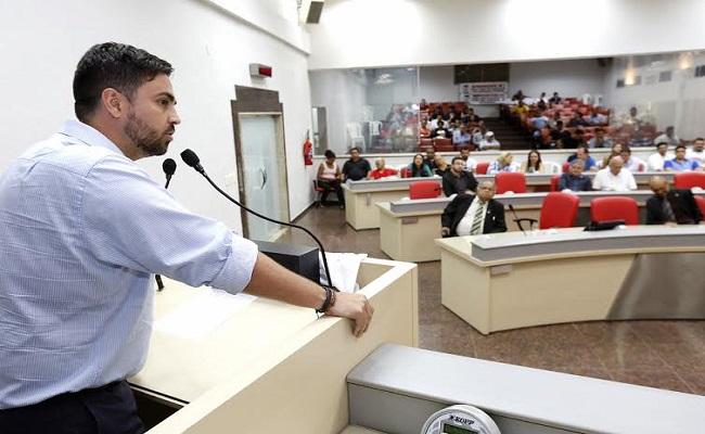 Léo Moraes discute dificuldades da Polícia Civil em audiência pública na ALE