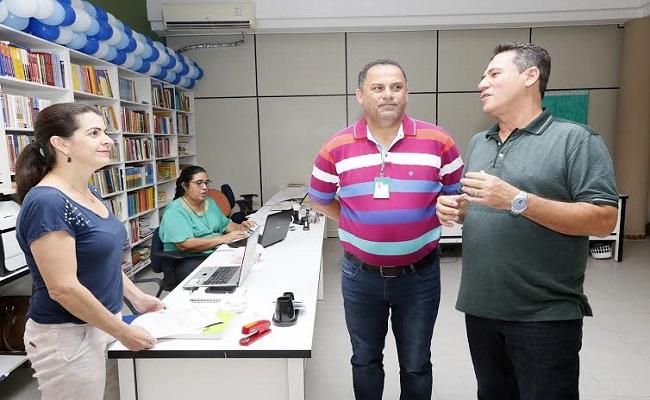 Maurão de Carvalho visita CRE de Cacoal e reafirma apoio