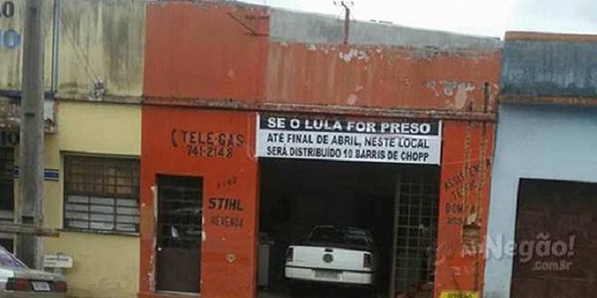 Homem oferece 'chopp grátis' se Lula for preso até abril