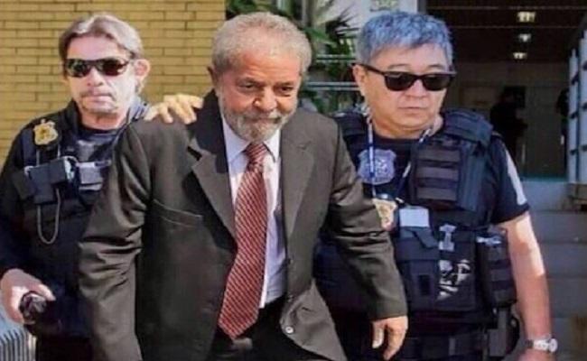 PSDB convoca 'aplaudaço' à Lava-Jato pelas redes sociais