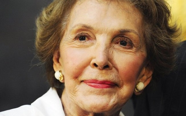 Morre Nancy Reagan, ex-primeira-dama dos EUA, aos 94 anos